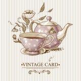 Εκλεκτής ποιότητας κάρτα με το φλυτζάνι, το δοχείο, τα λουλούδια και την πεταλούδα Στοκ Εικόνες