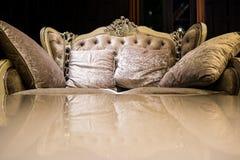 Εκλεκτής ποιότητας καναπές πολυτέλειας Στοκ φωτογραφίες με δικαίωμα ελεύθερης χρήσης