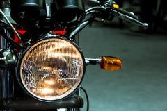 Εκλεκτής ποιότητας κλασικό επικεφαλής φως μοτοσικλετών Στοκ φωτογραφία με δικαίωμα ελεύθερης χρήσης