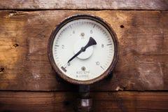 Εκλεκτής ποιότητας μετρητής πίεσης στοκ φωτογραφία με δικαίωμα ελεύθερης χρήσης