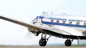 Εκλεκτής ποιότητας Ντάγκλας ρεύμα-3 αεροπλάνο προωστήρων απόθεμα βίντεο