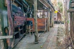 Εκλεκτής ποιότητας ξύλινος φραγμός στο παλαιό ύφος χίπηδων Στοκ φωτογραφία με δικαίωμα ελεύθερης χρήσης