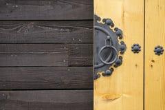 Εκλεκτής ποιότητας παλαιά ασιατική πόρτα ύφους Στοκ φωτογραφία με δικαίωμα ελεύθερης χρήσης
