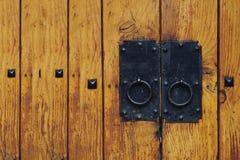 Εκλεκτής ποιότητας παλαιά ασιατική πόρτα ύφους Στοκ φωτογραφίες με δικαίωμα ελεύθερης χρήσης