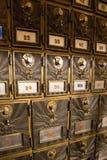 Εκλεκτής ποιότητας παλαιές ταχυδρομικές θυρίδες μόδας στοκ φωτογραφίες
