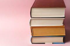 Εκλεκτής ποιότητας παλαιό ελαφρύ υπόβαθρο βιβλίων onon Στοκ Φωτογραφίες