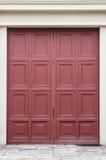 Εκλεκτής ποιότητας πόρτα στο ταϊλανδικό ύφος στοκ εικόνες με δικαίωμα ελεύθερης χρήσης