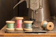 Εκλεκτής ποιότητας ράβοντας νήμα Στοκ Φωτογραφία