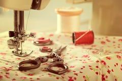 Εκλεκτής ποιότητας ράβοντας στοιχεία Στοκ Φωτογραφίες