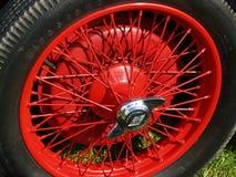 Εκλεκτής ποιότητας ρόδα Spoked αυτοκινήτων Στοκ εικόνα με δικαίωμα ελεύθερης χρήσης