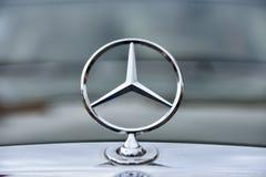 Εκλεκτής ποιότητας σημάδι αυτοκινήτων της Mercedes από τη Γερμανία Στοκ φωτογραφία με δικαίωμα ελεύθερης χρήσης