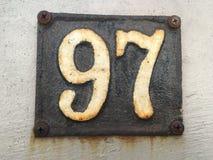 Εκλεκτής ποιότητας σκουριασμένο πιάτο μετάλλων grunge τετραγωνικό του αριθμού διεύθυνσης οδών με τον αριθμό Στοκ Εικόνες