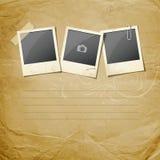 Εκλεκτής ποιότητας στιγμιαία φωτογραφία σε εκλεκτής ποιότητας χαρτί Στοκ φωτογραφίες με δικαίωμα ελεύθερης χρήσης