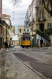 Εκλεκτής ποιότητας τραμ στο κέντρο της Λισσαβώνας στοκ εικόνες