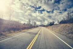 Εκλεκτής ποιότητας τυποποιημένος φυσικός δρόμος μια νεφελώδη ημέρα φθινοπώρου, Ουαϊόμινγκ Στοκ Εικόνες