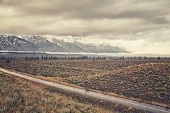 Εκλεκτής ποιότητας τυποποιημένος φυσικός δρόμος στο μεγάλο εθνικό πάρκο Teton Στοκ Εικόνες