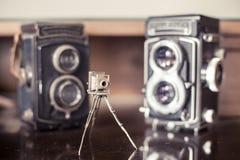 Εκλεκτής ποιότητας υπολογιστής γραφείου συλλεκτών καμερών φωτογραφιών στοκ φωτογραφία με δικαίωμα ελεύθερης χρήσης