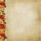 Εκλεκτής ποιότητας υπόβαθρο με τα πανέμορφες λουλούδια και τη δαντέλλα Στοκ φωτογραφία με δικαίωμα ελεύθερης χρήσης