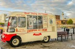 Εκλεκτής ποιότητας φορτηγό παγωτού Στοκ Φωτογραφίες