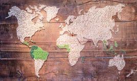 Εκλεκτής ποιότητας χάρτης επάνω του ξύλινου Στοκ Φωτογραφίες