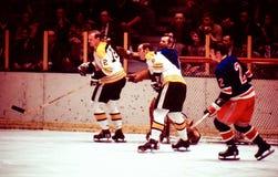 Εκλεκτής ποιότητας χόκεϋ Boston Bruins β New York Rangers Στοκ φωτογραφία με δικαίωμα ελεύθερης χρήσης