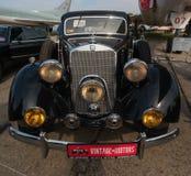 Εκλεκτής ποιότητας Benz Mesedes αυτοκίνητο παλαιό Στοκ φωτογραφία με δικαίωμα ελεύθερης χρήσης