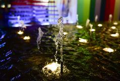 Εκλεκτικό σημείο εστίασης στη σκηνή πηγών τη νύχτα Στοκ εικόνες με δικαίωμα ελεύθερης χρήσης