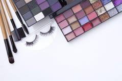 Εκλεκτικό σύνολο παλετών τόνου εστίασης επαγγελματικό φυσικό makeup Στοκ Εικόνες