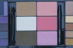 Εκλεκτικό σύνολο παλετών τόνου εστίασης επαγγελματικό φυσικό makeup Στοκ φωτογραφία με δικαίωμα ελεύθερης χρήσης