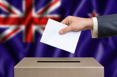 Εκλογή σε νέο Zeland - που ψηφίζει στο κάλπη στοκ φωτογραφίες