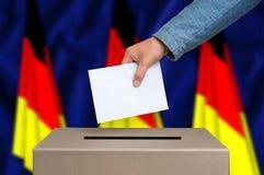 Εκλογή στη Γερμανία - που ψηφίζει στο κάλπη στοκ φωτογραφία με δικαίωμα ελεύθερης χρήσης