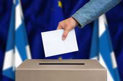 Εκλογή στη Σκωτία - που ψηφίζει στο κάλπη στοκ εικόνες