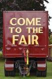 ` Ελάτε στο δίκαιο ` στο πίσω μέρος ενός οχήματος καρναβαλιού στοκ εικόνα με δικαίωμα ελεύθερης χρήσης