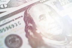 Ελαφρύς μακρο στενός επάνω τονισμού του προσώπου του Ben Franklin ` s στις ΗΠΑ λογαριασμός 100 δολαρίων Στοκ φωτογραφία με δικαίωμα ελεύθερης χρήσης