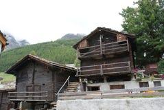 Ελβετία - αλπικές καλύβες ποιμένων στοκ φωτογραφία με δικαίωμα ελεύθερης χρήσης