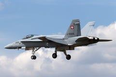 Ελβετικά μαχητικά αεροσκάφη j-5005 του McDonnell Douglas F/A-18C Hornet Πολεμικής Αεροπορίας Στοκ φωτογραφίες με δικαίωμα ελεύθερης χρήσης