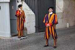 Ελβετικές φρουρές σε Βατικανό στοκ φωτογραφίες με δικαίωμα ελεύθερης χρήσης