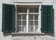 ελβετικό παράθυρο λεπτομέρειας Στοκ Εικόνα