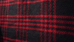 Ελεγμένη σύσταση, μαντίλι ή καρό υφάσματος Κόκκινα και μαύρα χρώματα απόθεμα βίντεο