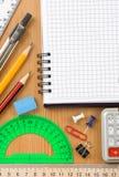 ελεγχμένο εξαρτήματα σχολείο σημειωματάριων Στοκ Φωτογραφίες