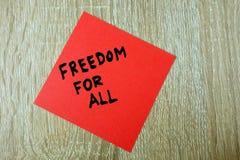 Ελευθερία κειμένων για όλους που γράφονται στην κόκκινη αυτοκόλλητη ετικέττα στοκ φωτογραφία με δικαίωμα ελεύθερης χρήσης