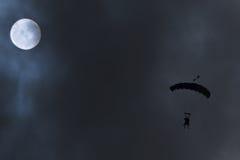 ελεύθερη πτώση με αλεξίπτ& Στοκ Φωτογραφία