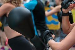 Ελεύθερο μόνιμο εγκιβωτίζοντας διατρήσεων τσαντών σφαιρών και Punching ταχύτητας πνεύμα χεριών Στοκ Εικόνες