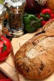 ελιά φραντζολών κουζινών ψωμιού Στοκ φωτογραφία με δικαίωμα ελεύθερης χρήσης