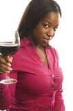 ελκυστική γυναίκα κρασ& στοκ εικόνες