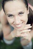 ελκυστική γυναίκα πορτ&rho Στοκ Φωτογραφία
