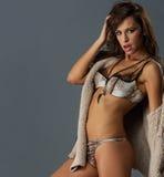 ελκυστική γυναίκα brunette στοκ φωτογραφία