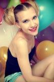 ελκυστική ευτυχής γυναίκα baloons Στοκ Εικόνες