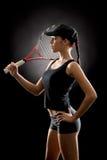 Ελκυστική ρακέτα λαβής παικτών γυναικών αντισφαίρισης στοκ εικόνα με δικαίωμα ελεύθερης χρήσης