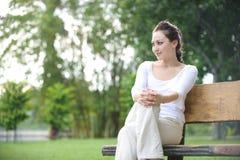 Ελκυστική υγιής ασιατική γυναίκα στοκ φωτογραφίες